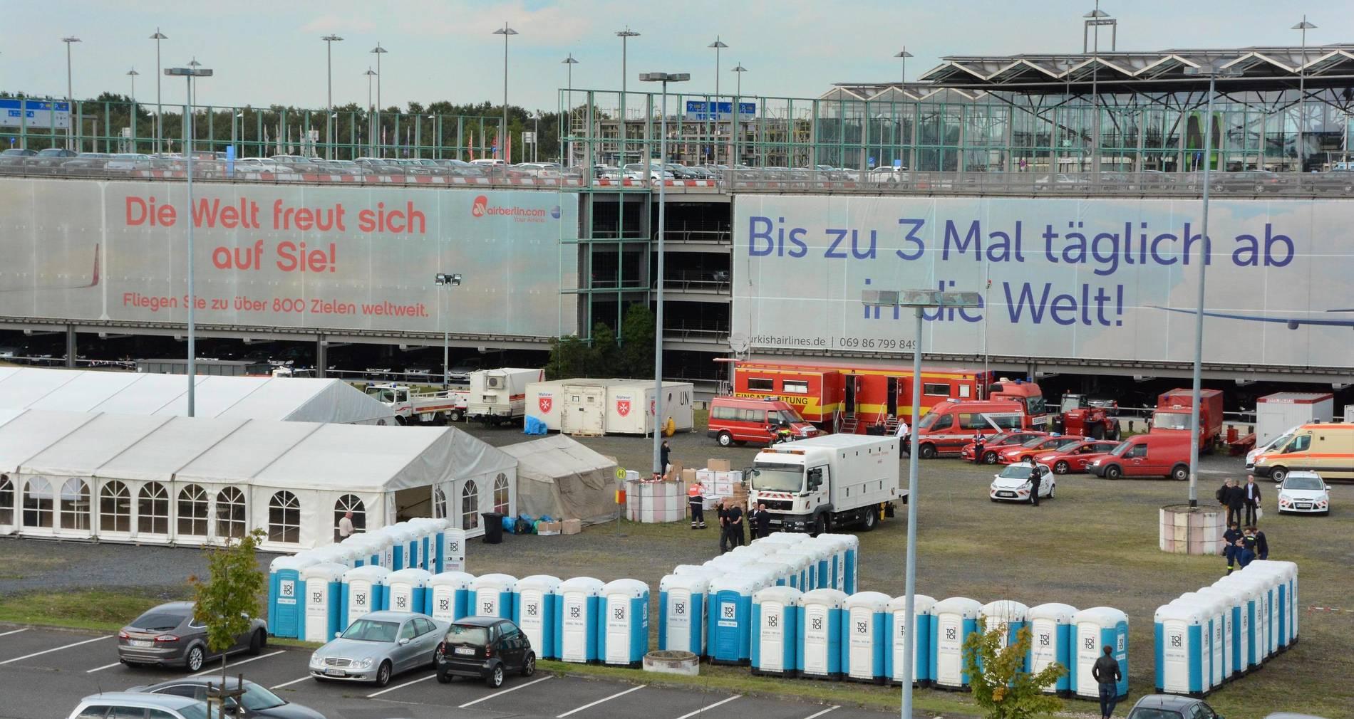 Flüchtlinge Flughafen