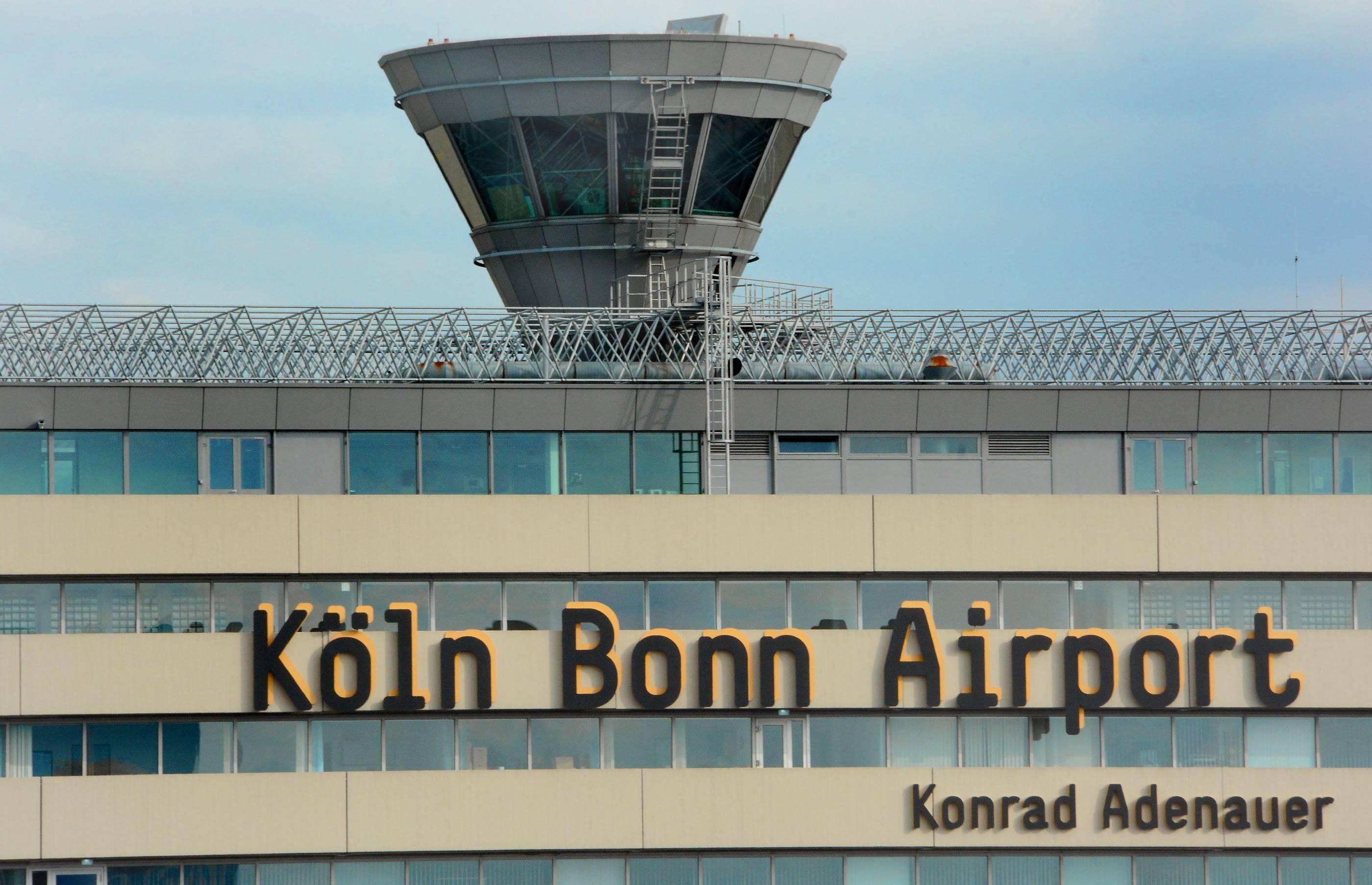 Flüchtlinge Flughafen Köln