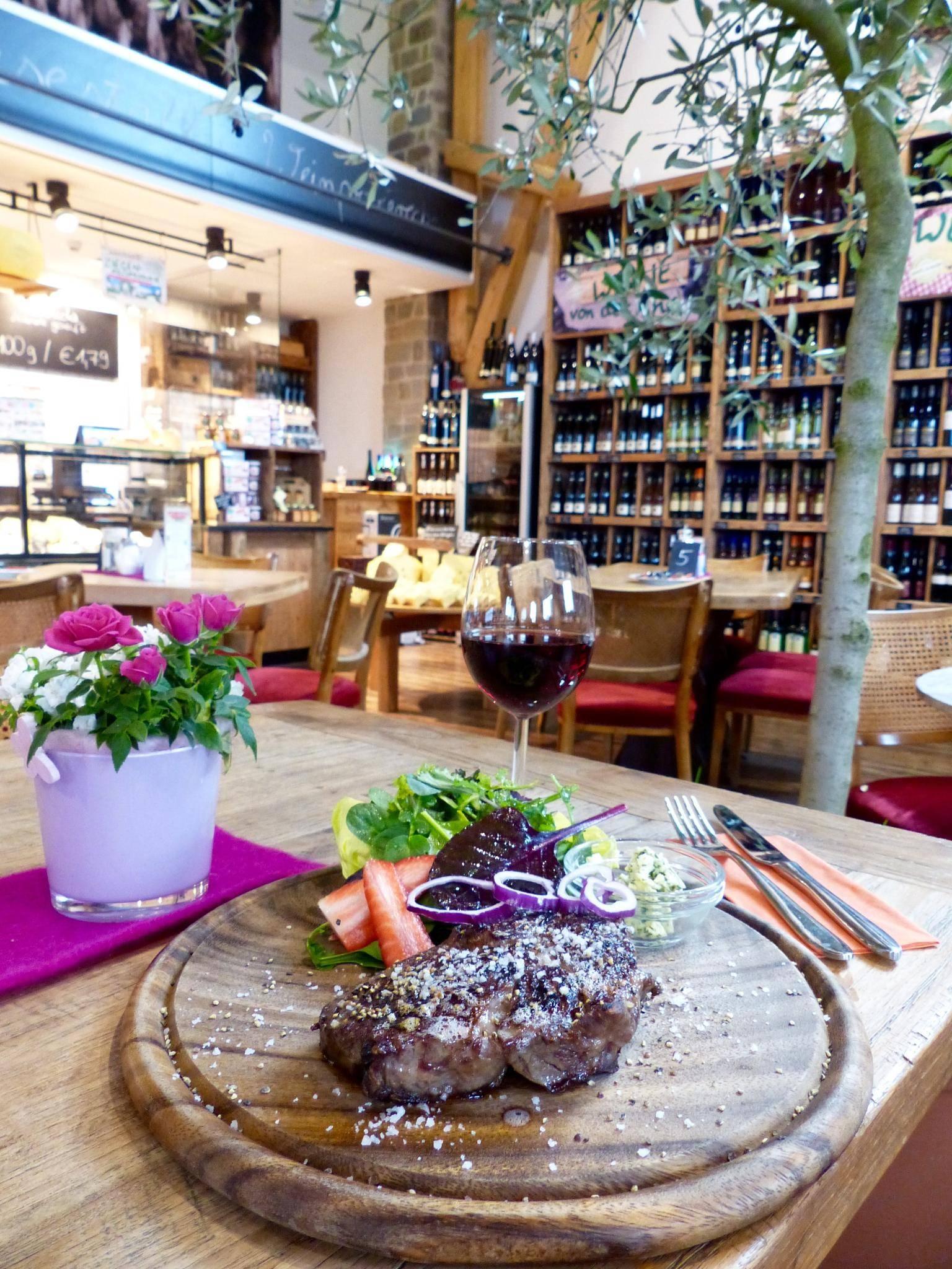 Gute Preise große Auswahl an Designs erstklassiger Profi Schneiders Obsthof Marktscheune: Grillen und chillen am Abend