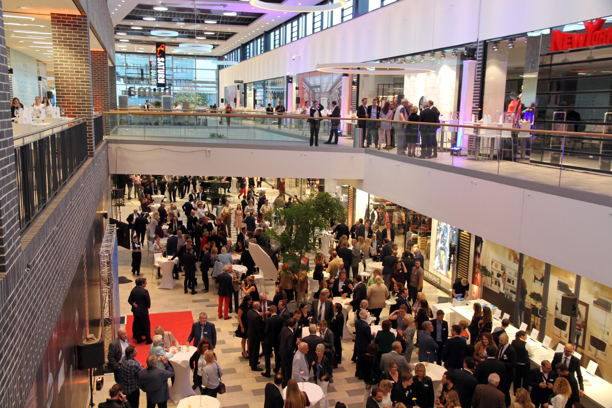 Ab Es Neues EinkaufszentrumDiese Läden Im Gibt Sofort Huma clKTF1J3u