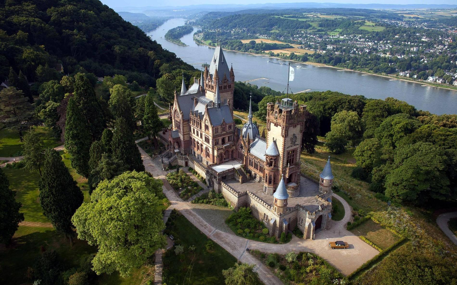 Blick hinter verschlossene Türen: Virtueller Rundgang zeigt 3D-Modell von  Schloss Drachenburg