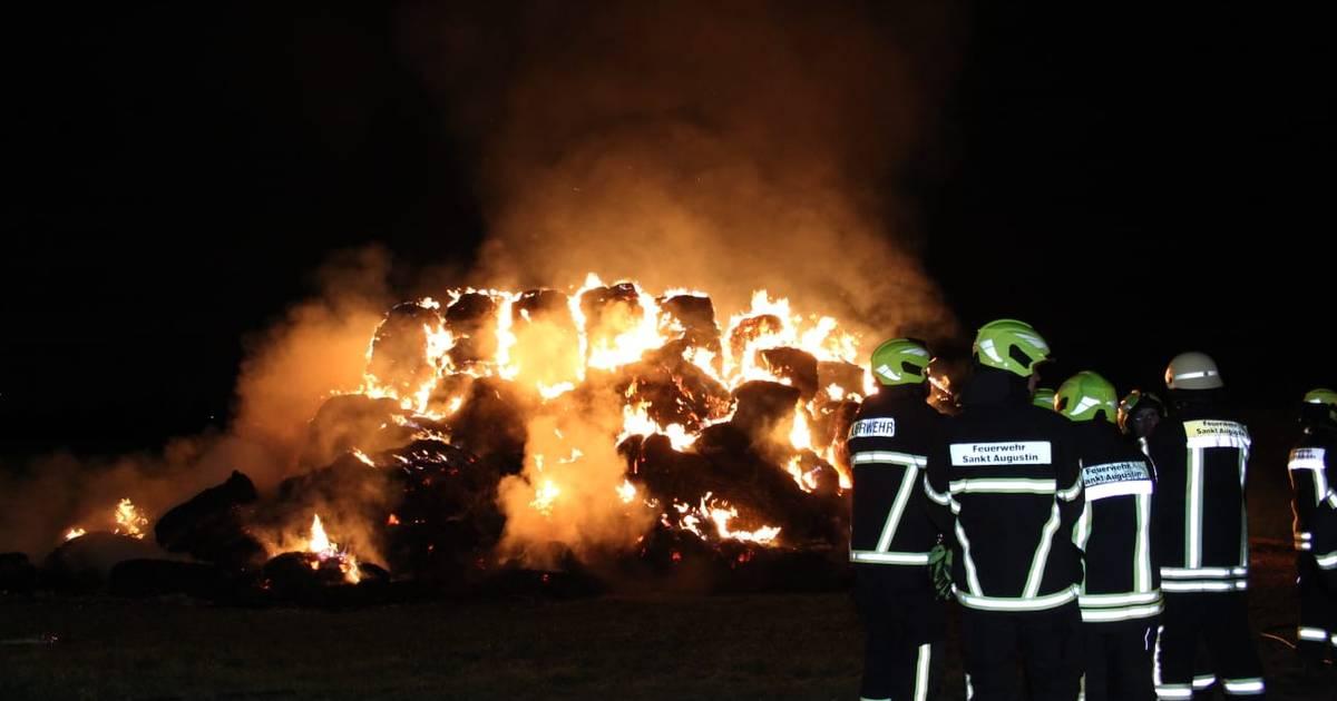 Feuer in Sankt Augustin: Mehr als 250 Strohballen geraten in Menden in Brand - General-Anzeiger