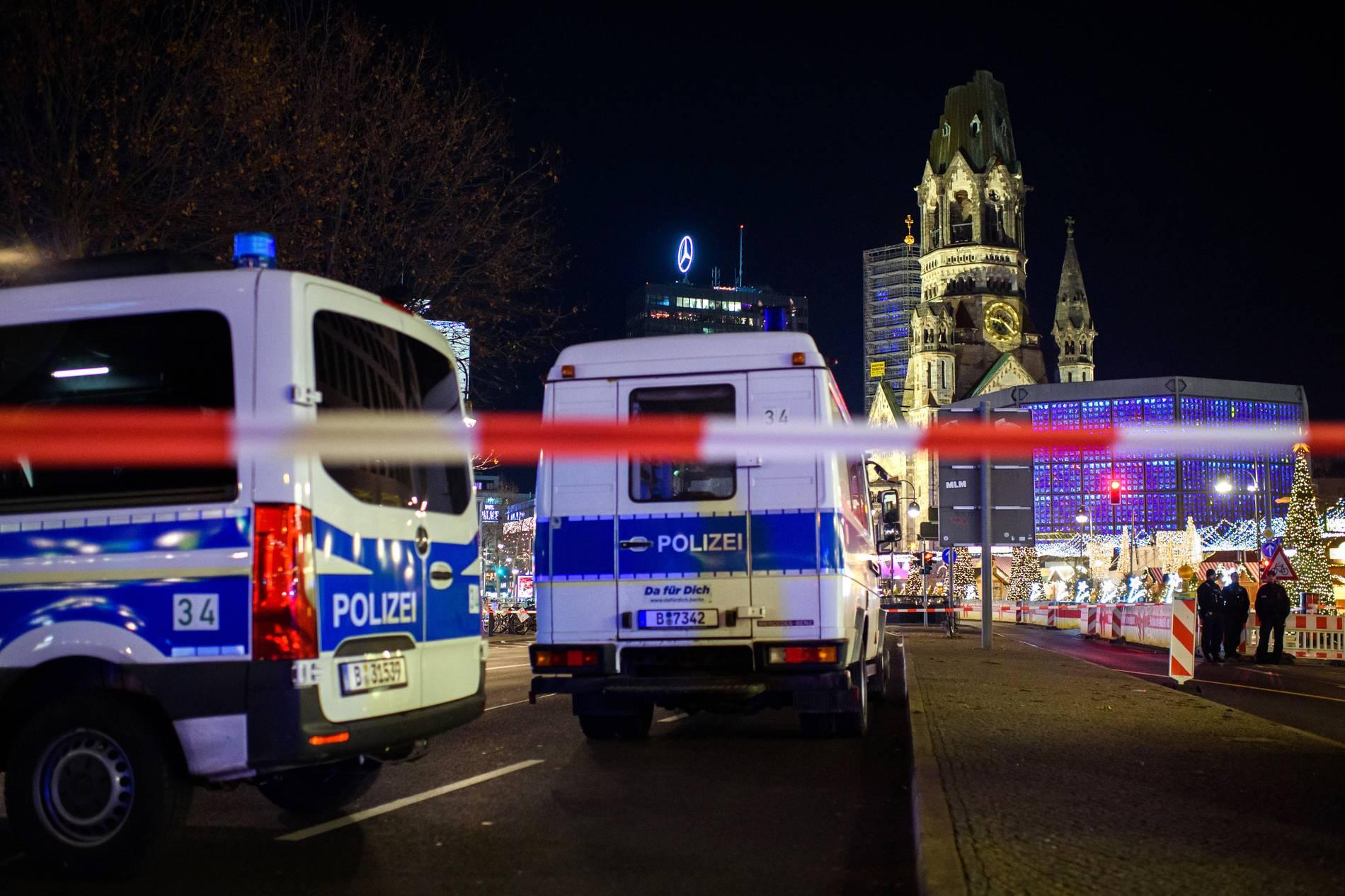 Weihnachtsmarkt auf Berliner Breitscheidplatz zeitweise geräumt