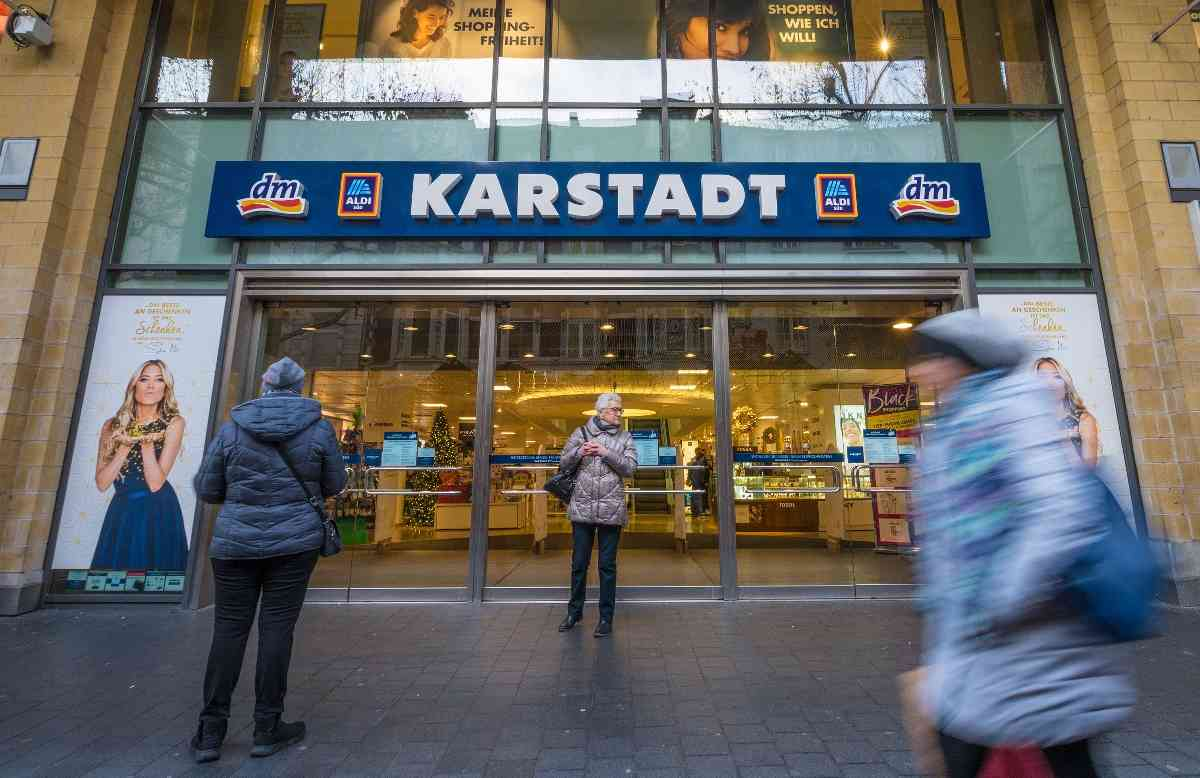 Galeria Karstadt Kaufhof Kunden Bedauern Schliessung Der Bonner Filiale