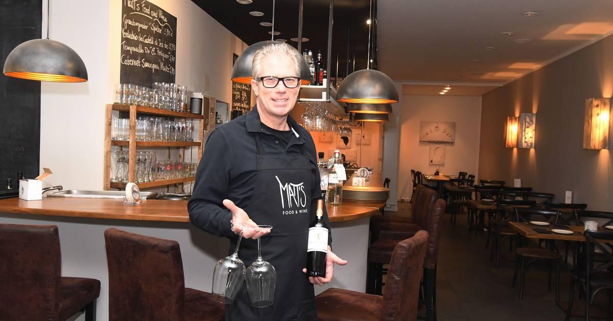 Matts Food  Wine steak house opens...