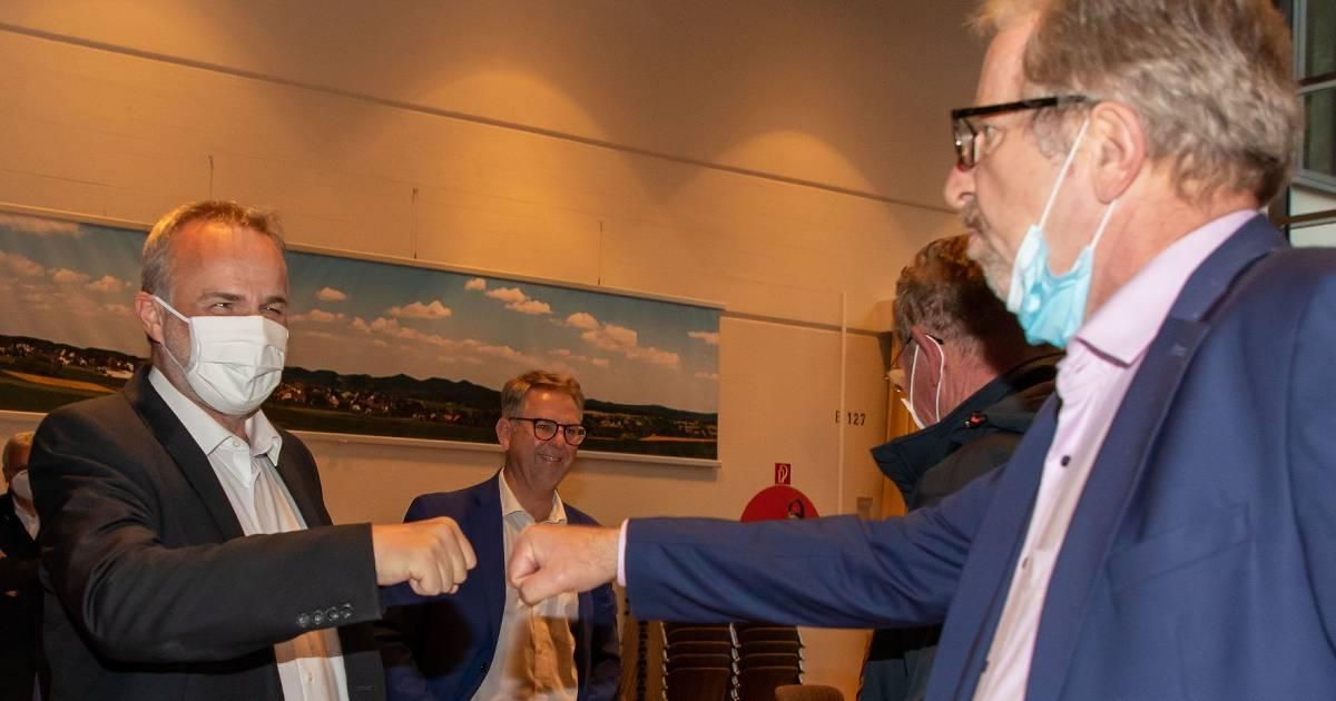 Jörg Schmidt löst Renate Offergeld im Bürgermeisteramt...